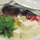 芫茜豆腐鱼头养生靓汤